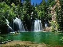 Бесплатные хранители экрана - водопады, озера. Реалистичные, качественные для Windows 98/Me/2000/XP  на тему Природа